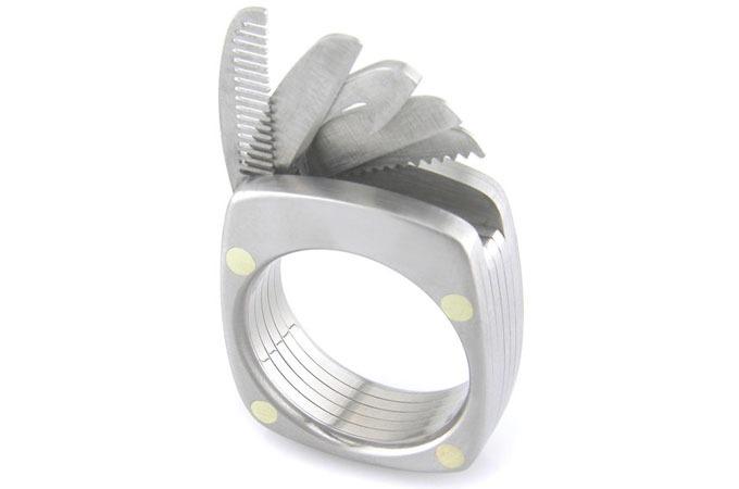 Medium_nkuvzrfeotqqgpclwyqmu6bftlkkujywg0g4feackrq_titanium-utility-ring