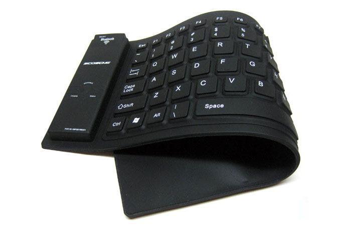 Medium_scosche-freekey-wireless-flexible-foldable-keyboard-1
