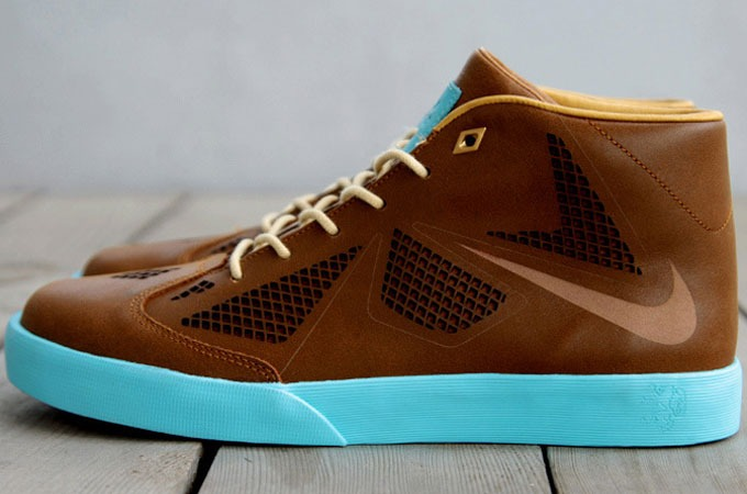 Medium_nike-lebron-x-nsw-lifestyle-1