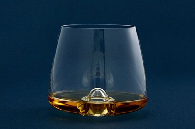 Medium_iu2dkjpjr443uwvath7yt1vxlyhvaybsami4d8bw_whiskeyglass