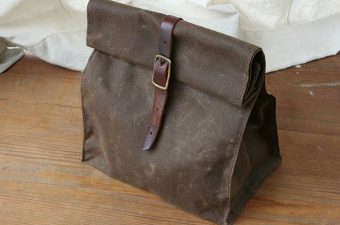 Medium_kaufmann-mercantile-waxed-canvas-lunch-bag-3