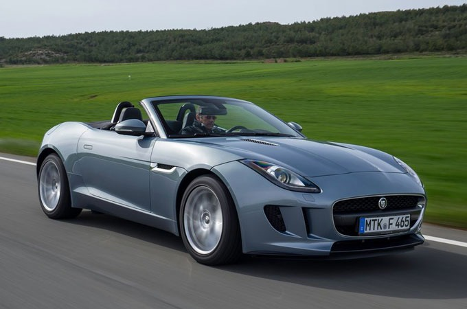 Medium_2014-jaguar-f-type-s-6