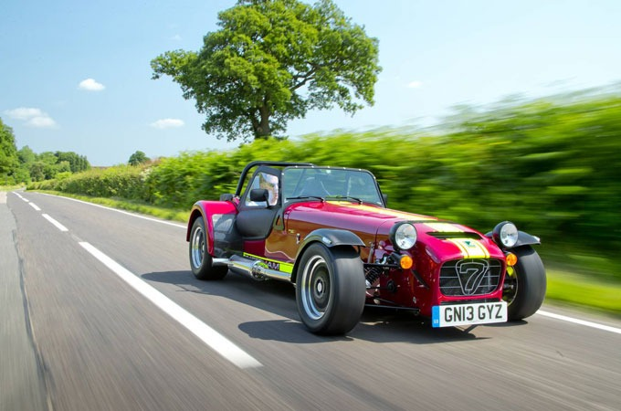 Medium_caterham-seven-620r-1