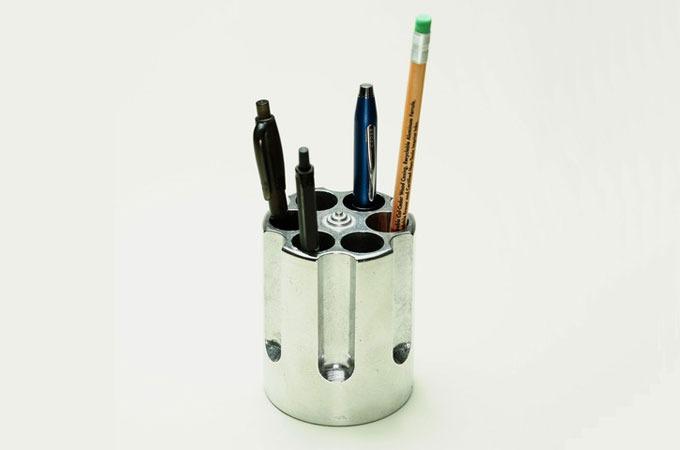 Medium_iplzske58brwzp8xq4ubyd0lkkwrxdxkwmazi1o648_gun-cylinder-pen-holder
