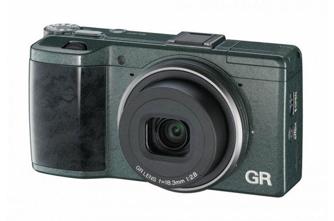 Medium_e4mbzyxn82n7u9vkrcrodmpqxize3bnjfgq6cjw3bs_ricoh-gr-camera