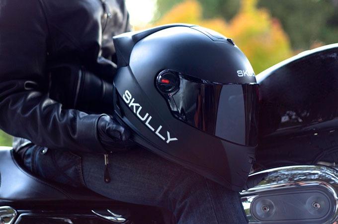 Medium_fjksaoxflulhl6xnmerbzbw1d98j4sxnxkkxewy_skully-helmet