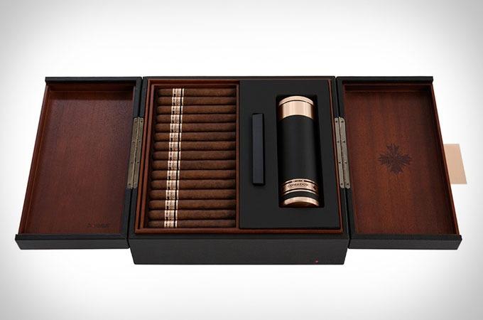 Medium_voio7nidq0f0fkpeptzd9q5ummys8aitm8nxvtnxwne_comador-cigars