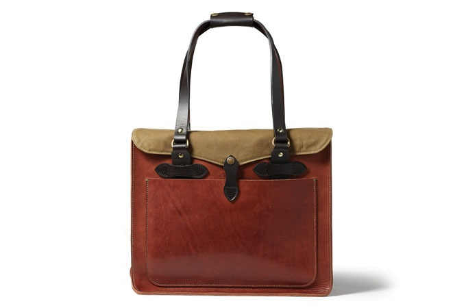 Medium_tqqswqu4rg8wvifynznat8a9ja9acefzyrcl8iaqa_filson-leather-tote-bag